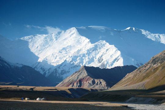 climb Lenin peak