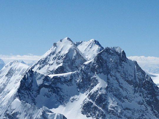 climb Gasherbrum I and II